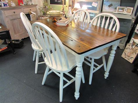 Country-Farmhouse-Table-And-Chairs