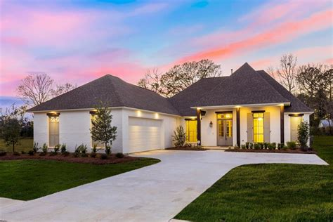 Courtyard Garage Home Plans