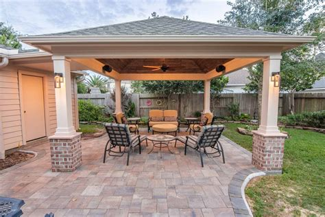 Covered-Patio-Plans-Hip-Roof
