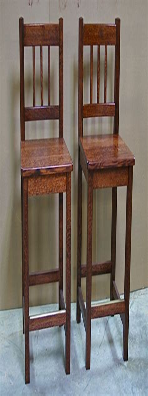Craftsman-Bar-Stool-Plans