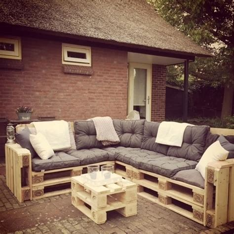 Crate-Sofa-Diy