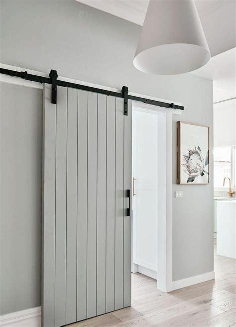 Creative-Diy-Barn-Door