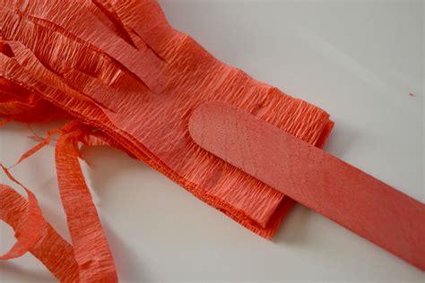 Crepe-Paper-Pom-Poms-Diy