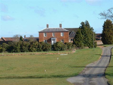 Crondon-Park-Farmhouse-Bed-And-Breakfast