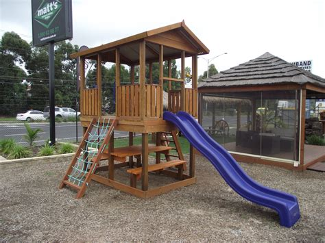 Cubby-House-Furniture-Plans