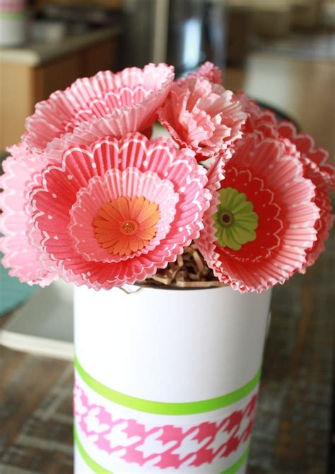 Cupcake-Liner-Flowers-Diy