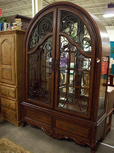 Curio Cabinets Broyhill Dining Room Furniture