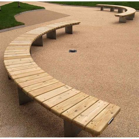 Curved-Bench-Outdoor-Diy