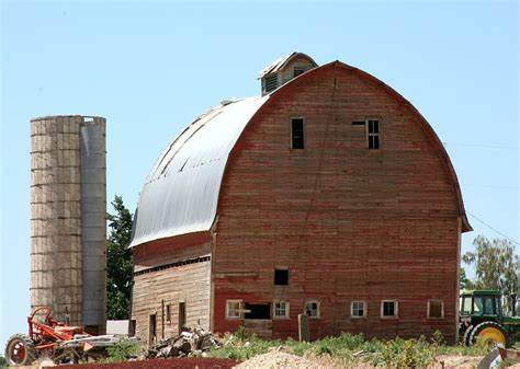 Curved-Roof-Barn-Plans