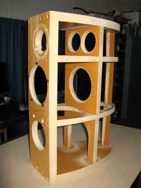 Curved-Speaker-Cabinet-Diy