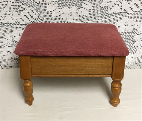Cushioned Footstool Woodworking Plans