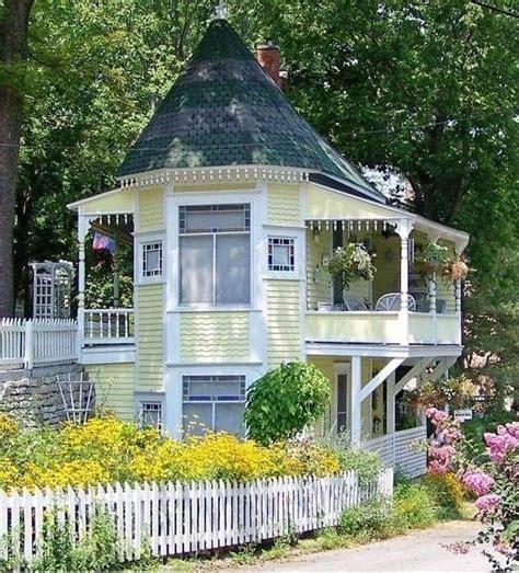Cute Victorian Cottage Plans