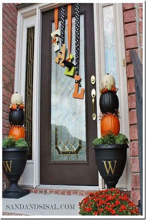 Cute-Diy-Decors-For-Your-Door