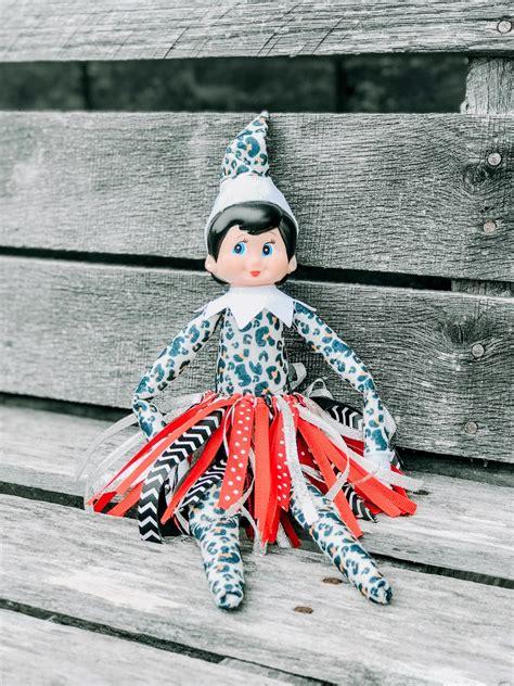Cute-Diy-Elf-On-The-Shelf-Outfits