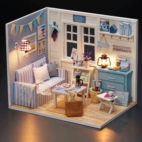 Cute-Room-Diy-Wooden-Dollhouse