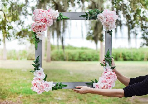 DIY Bridal Shower Photo Booth Frame