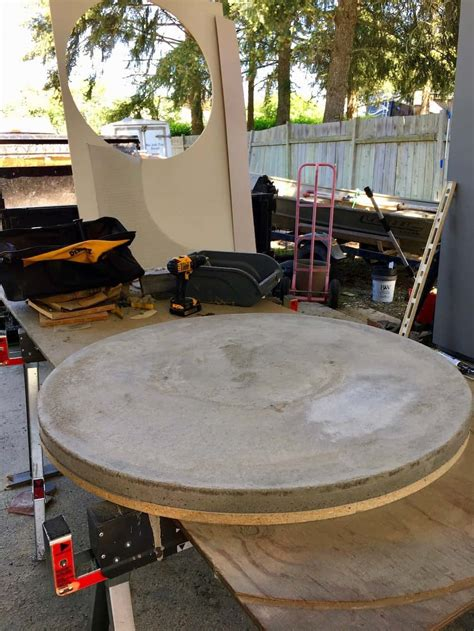 DIY Concrete Table Round