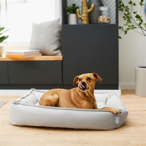 DIY Dog Bed With Bolster