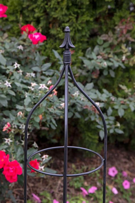 DIY Garden Obelisks Wrought