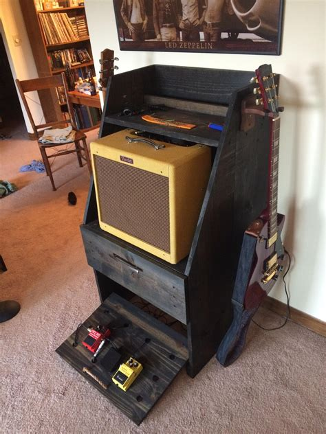 DIY Guitar Amp And Pedal Stand