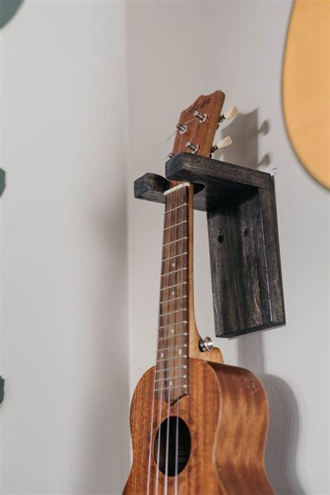 DIY Guitar Wall Mount Wood