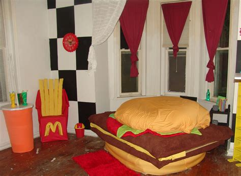 DIY Hamburger Bed