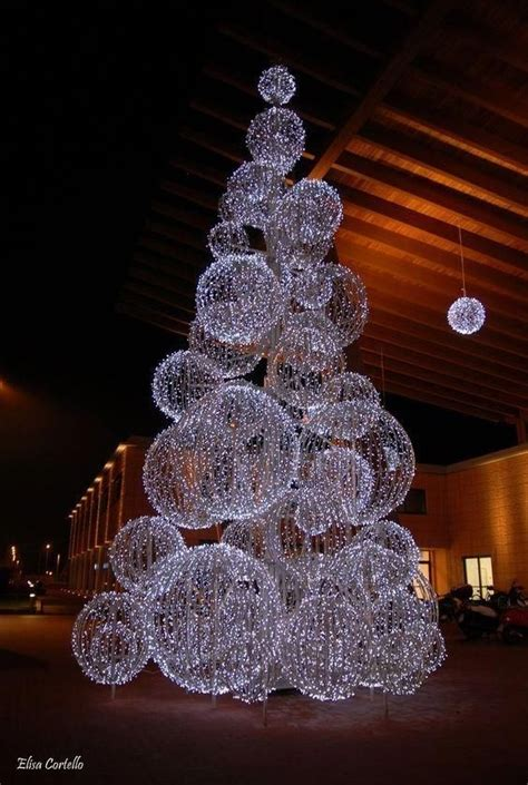 DIY Lighted Christmas Yard Art
