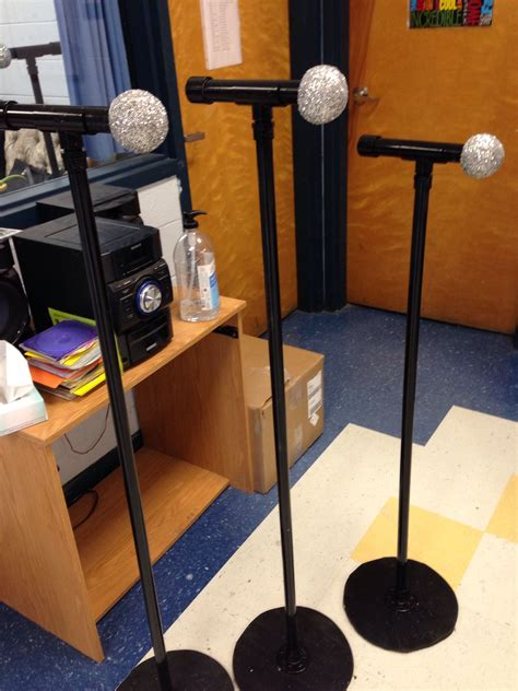 DIY Microphone Stand For Kids