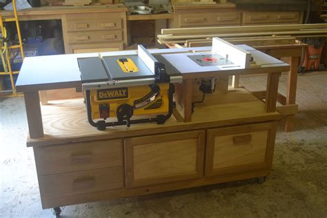 DIY Miter Saw Table With Router Insert