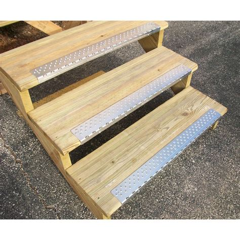 DIY Non Slip Outdoor Wooden Stairs