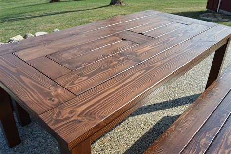 DIY Outdoor Dining Table Ice Box
