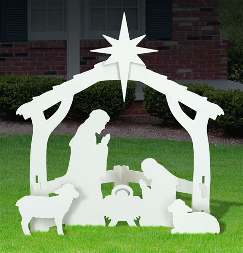 DIY Outdoor Silhouette Nativity Scene