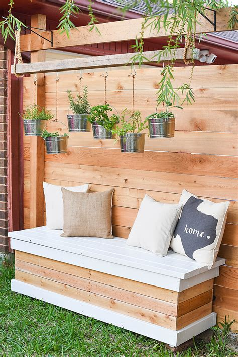 DIY Outdoor Storage Bench With Back