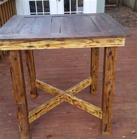 DIY Pallet High Table