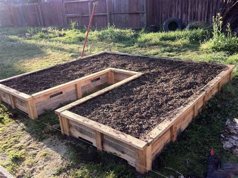 DIY Pallet Raised Garden Beds