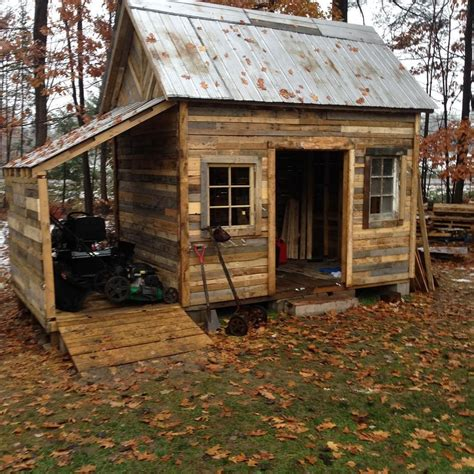 DIY Pallet Storage Shed Plans