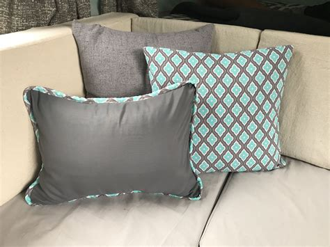 DIY Pillow Bed Using Sheets To Cover