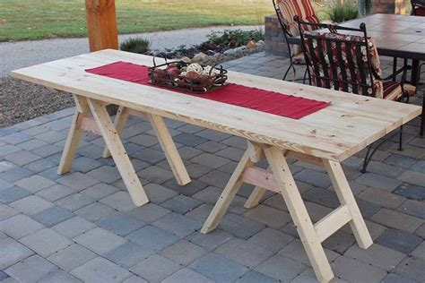 DIY Sawhorse Table For Patio