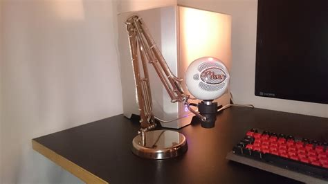 DIY Snowball Mic Stand