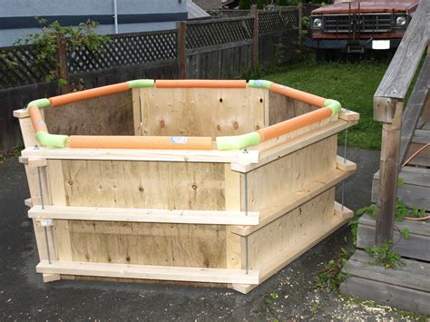 DIY Square Wooden Hot Tub