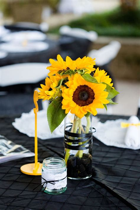 DIY Sunflower Table Centerpieces Photo Holder
