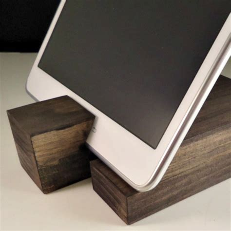 DIY Tablet Stand For Rv