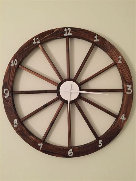 DIY Wagon Wheel Clock
