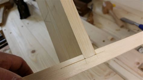 Dado-Woodworking-Joints