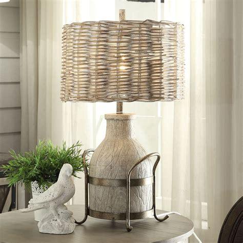 Dary-Farm-Table-Lamp