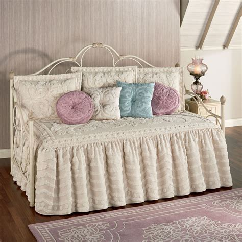 Day Bed Sheets And Bedspreads