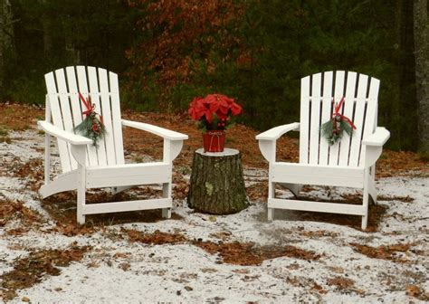 Decorate-Outdoor-Adirondack-Chair-Christmas