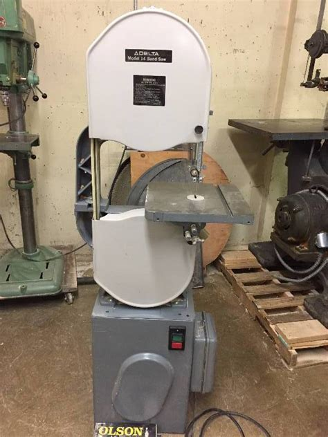 Delta-Industrial-Woodworking-Machinery