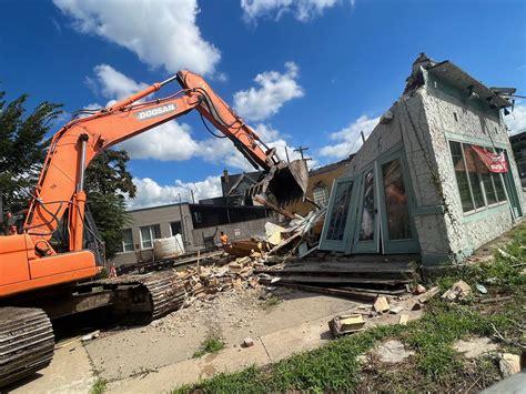 Demolition-Of-Concrete-Patio-Ann-Arbor-Diy