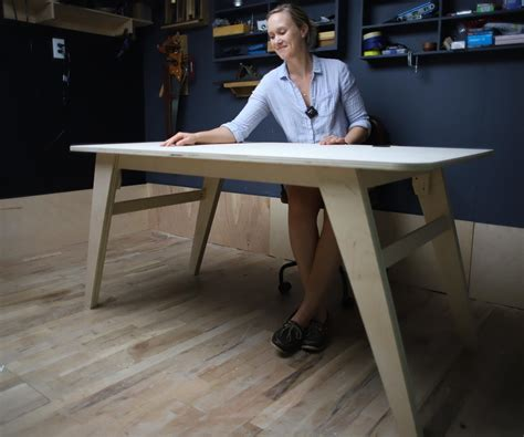 Desk-Plans-Made-From-Plywood